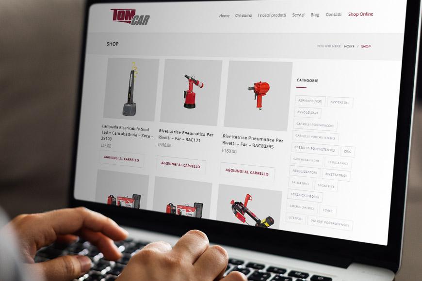 Acquista dallo shop online di Tomcar: scopri tutte le nostre autoattrezzature